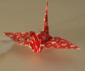 wikimedia-public-domain-Origami_crane_cropped