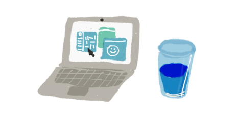 normal-laptop-and-water